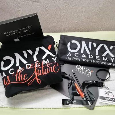 kit-maglietta-penna-onyx-academy